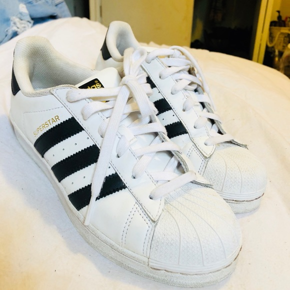 new styles 80843 b6ac2 Adidas Superstar Sneakers   HALF THE PRICE 👟